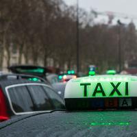 Grève des taxis : des clients live tweetent leur agression