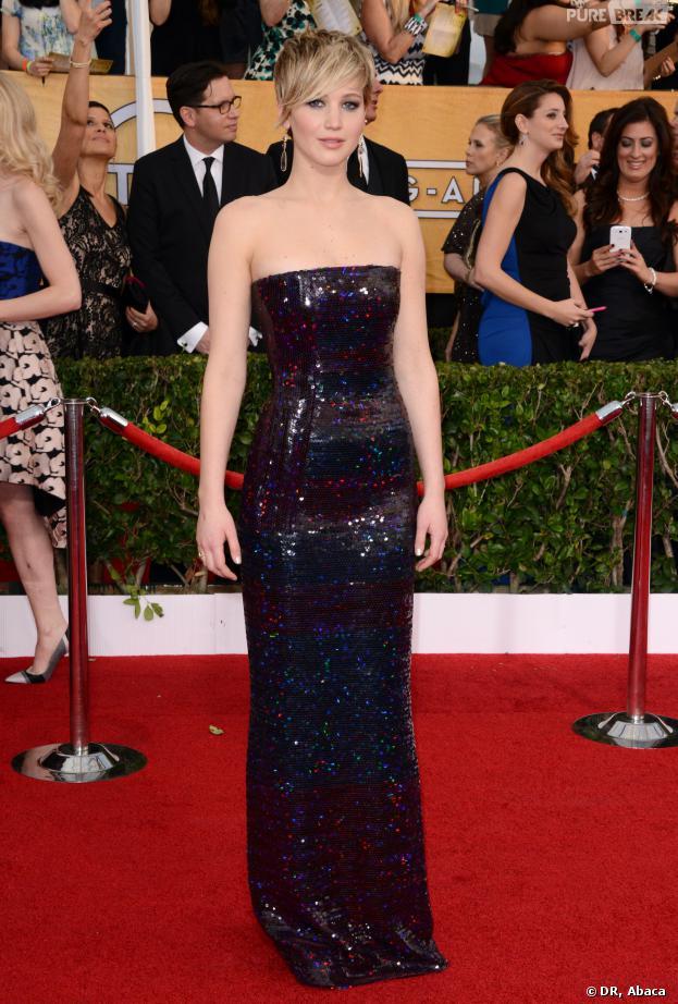 SAG Awards 2014 : Jennifer Lawrence avec sa magnifique robe pailletée samedi 18 janvier à Los Angeles