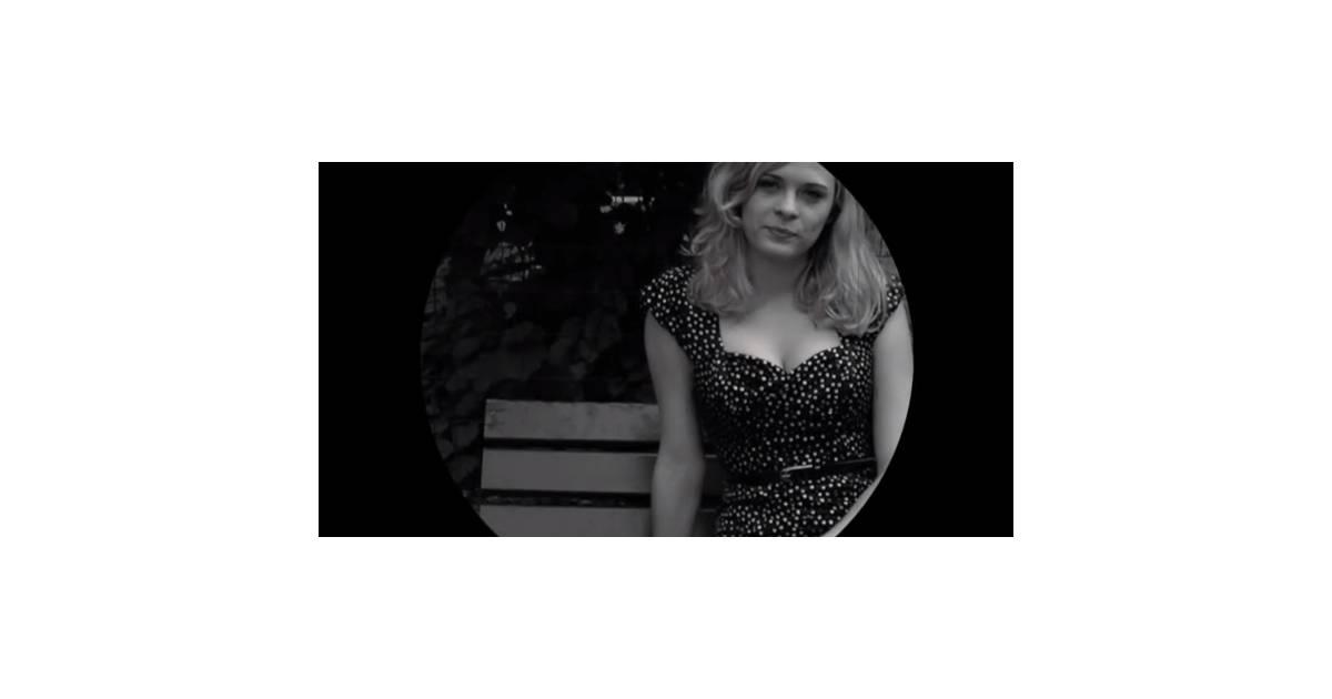 Alice raucoules de dreams simple dans le clip d 39 amours for Alice dans le miroir balthus