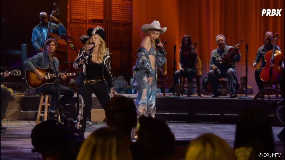 Miley Cyrus et Madonna : danse collé-serré et fessée pour un duo sexy