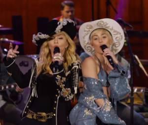 Miley Cyrus et Madonna sur scène pour le MTV Unplugged de la star