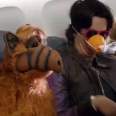 [VIDEO] Alf est de retour pour nous apprendre à survivre à un crash d'avion