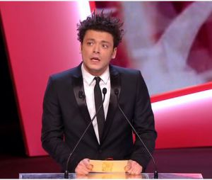 César 2014 : Kev Adams en mode selfie