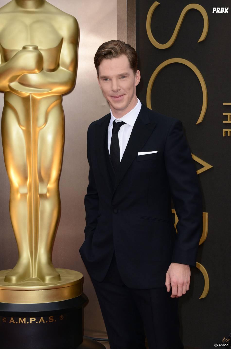 Benedict Cumberbatch sur le tapis-rouge des Oscars le 2 mars 2014