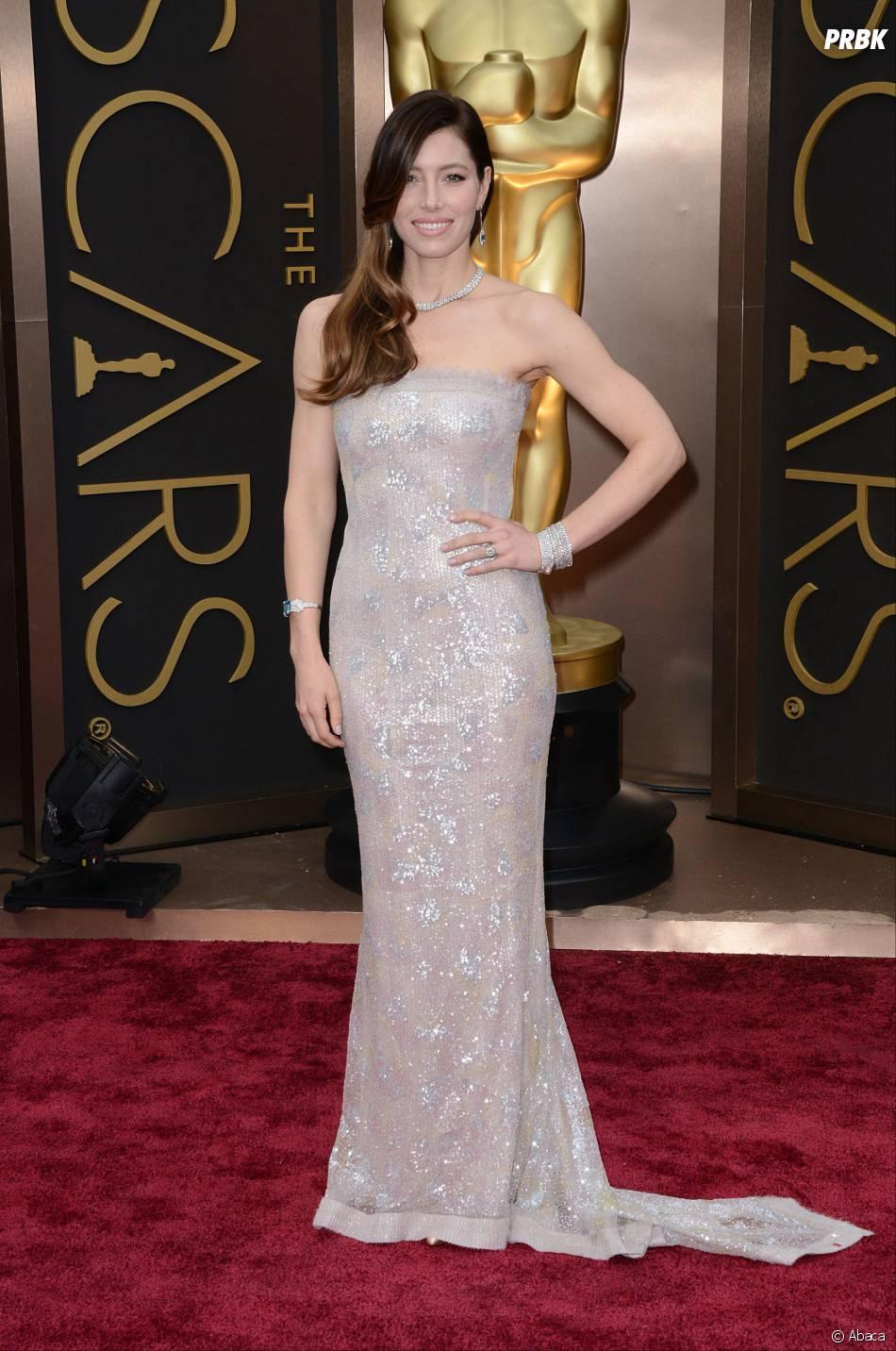 Jessica Biel sur le tapis-rouge des Oscars le 2 mars 2014