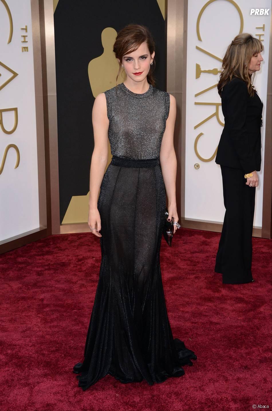 Emma Watson sur le tapis-rouge des Oscars le 2 mars 2014