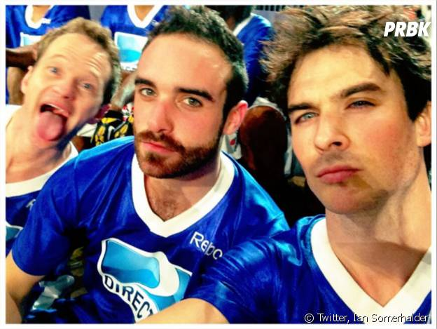 Neil Patrick Harris s'incruste sur une photo de Ian Somerhalder au Super Bowl 2013