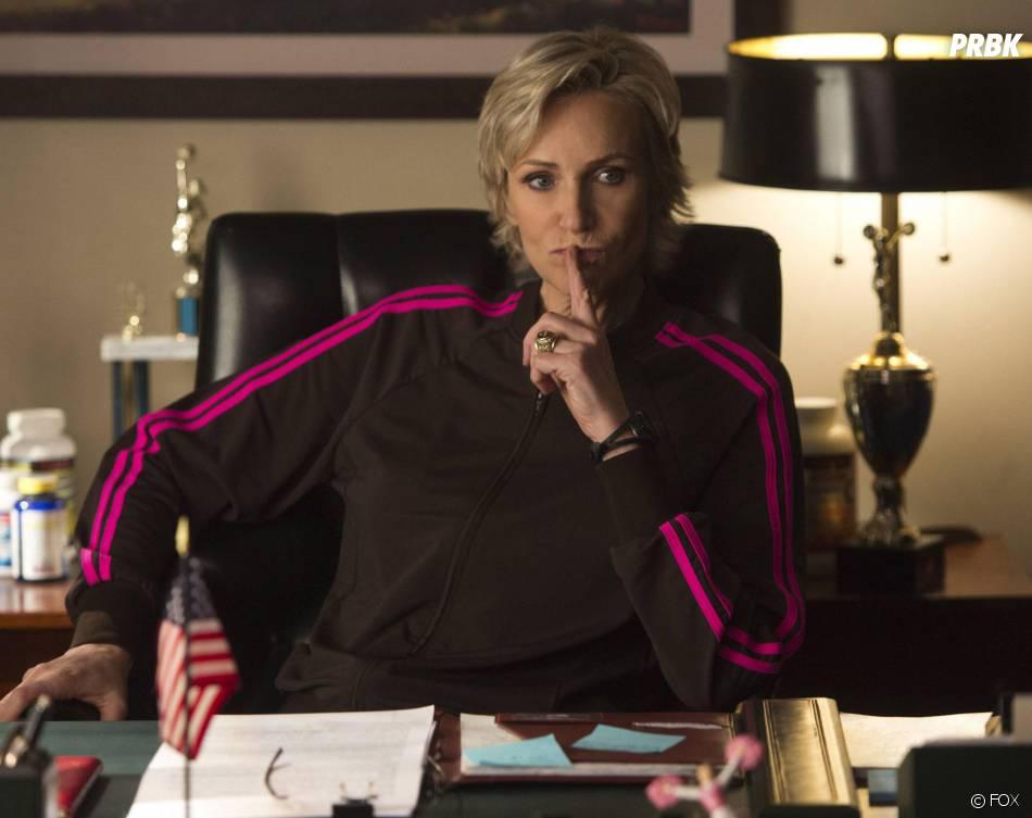 Glee saison 5 : Sue Sylvester (Jane Lynch) toujours en guerre contre le Glee Club dans l'épisode 100