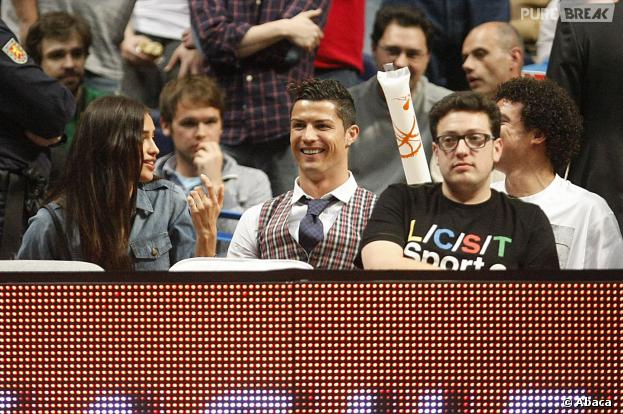 Cristiano Ronaldo et Irina Shayk lors d'un match de basketball à Madrid