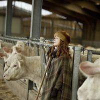 La Ritournelle : Isabelle Huppert à la campagne sur les photos