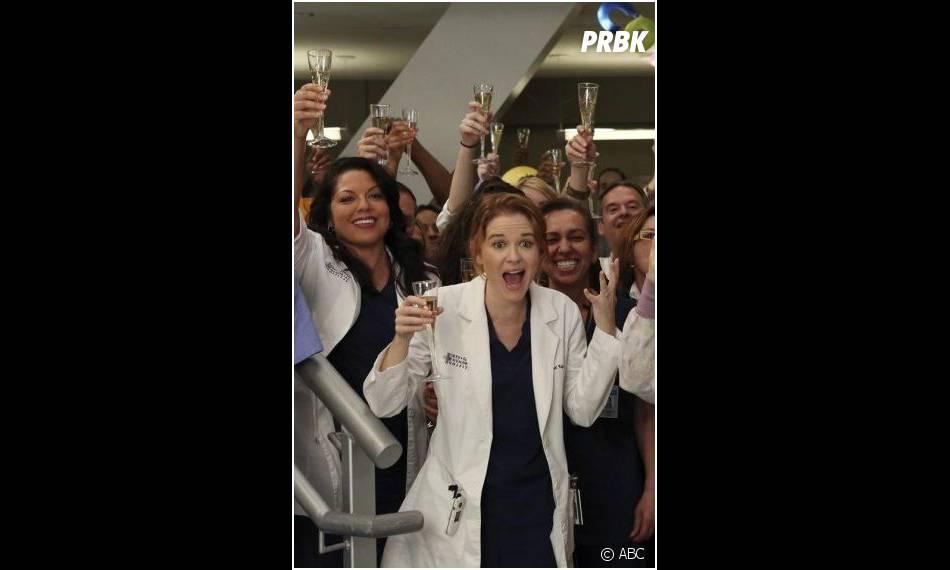 Grey's Anatomy saison 10, épisode 19 : Sarah Drew et Sara Ramirez sur une photo