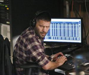Scandal saison 3, épisode 17 : Guillermo Diaz sur une photo
