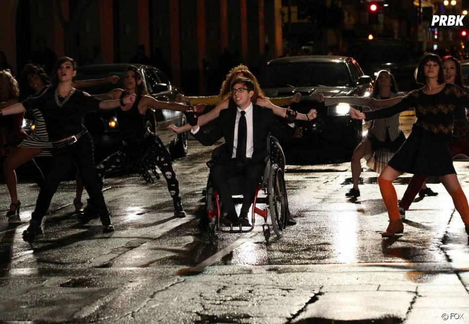 Glee saison 5, épisode 16 : Artie sur une photo
