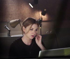 Revenge saison 3, épisode 21 : Emily VanCamp sur une photo