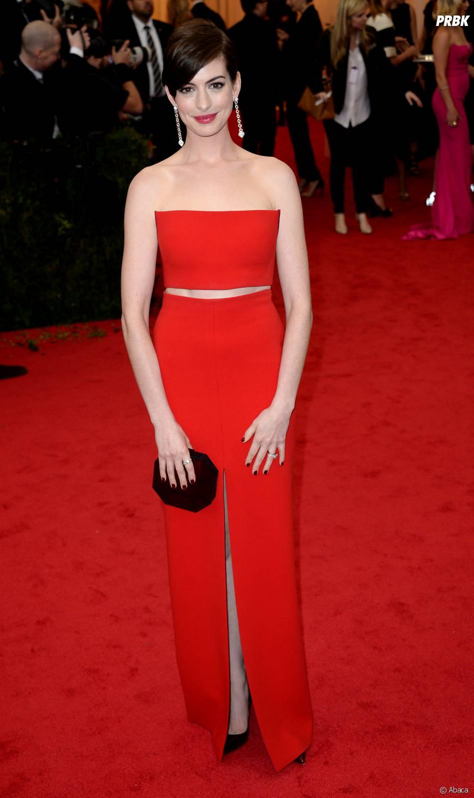 Anne Hathaway au MET Gala à New York le 5 mai 2014