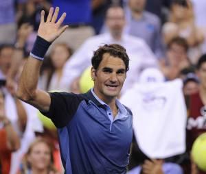 Roger Federer salue le public pendant l'US Open 2013