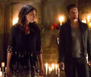 The Originals saison 1, épisode 22 : Phoebe Tonkin et Joseph Morgan sur une photo du final