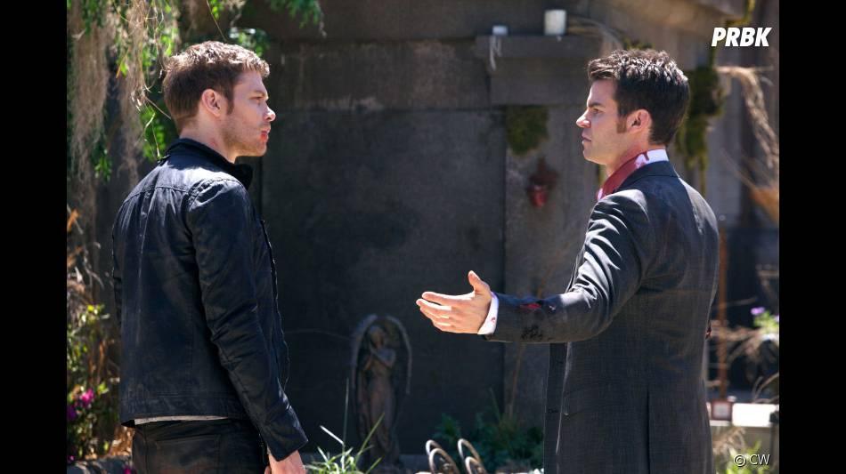 The Originals saison 1, épisode 22 : Klaus et Elijah sur une photo du final