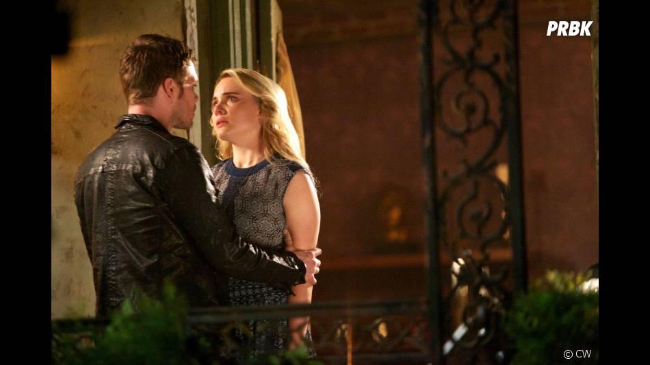 The Originals saison 1, épisode 22 : Joseph Morgan et Leah Pipes sur une photo du final
