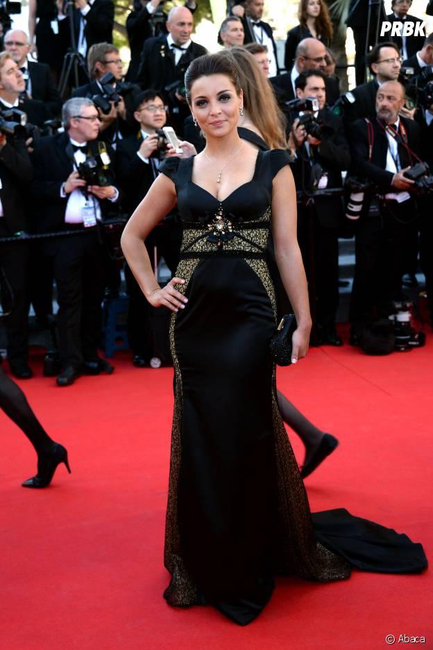 Priscilla Betti radieuse sur le tapis rouge du Festival de Cannes, le 15 mai 2014