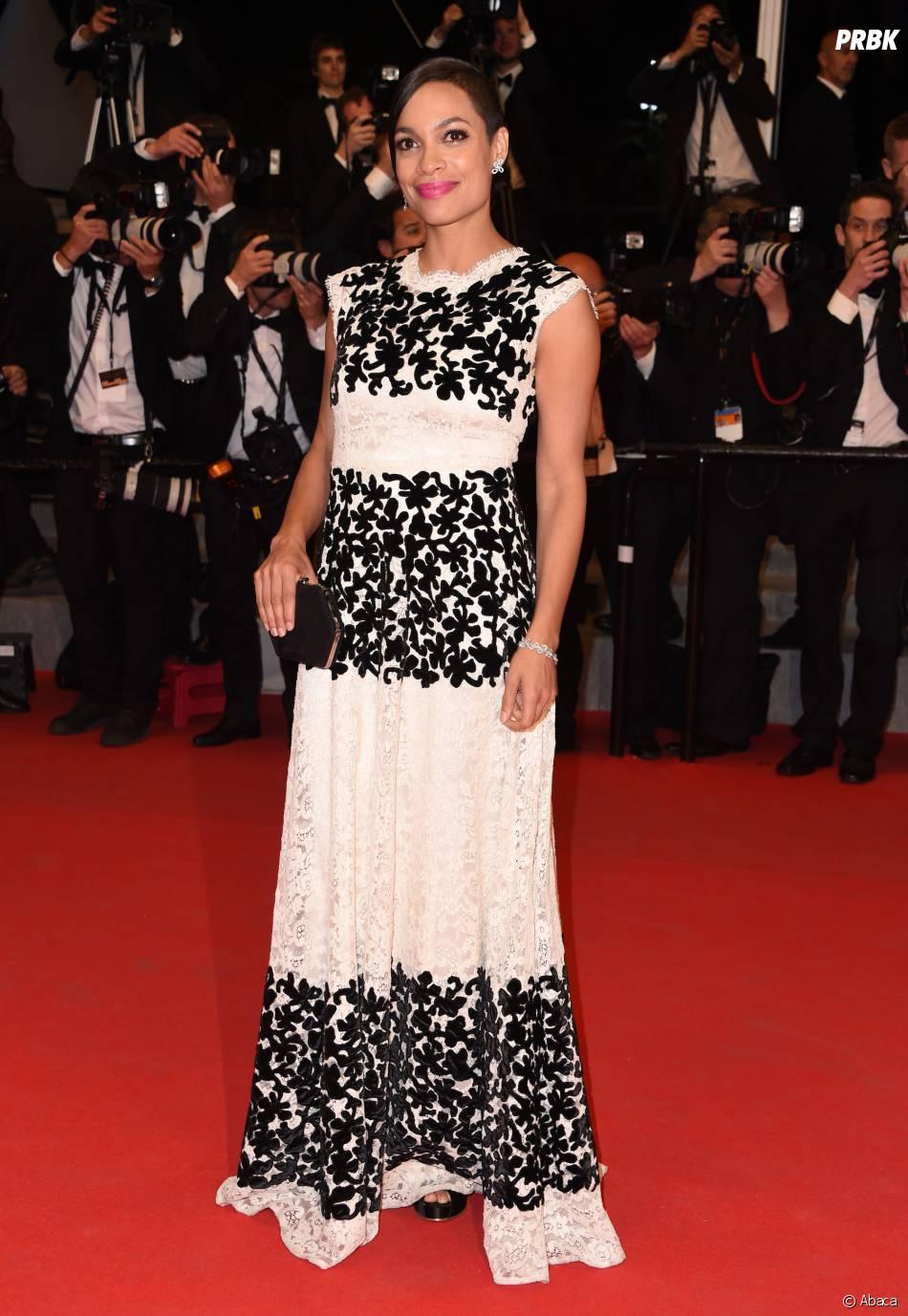 Rosario Dawson sur le tapis rouge du Festival de Cannes 2014, le vendredi 16 mai