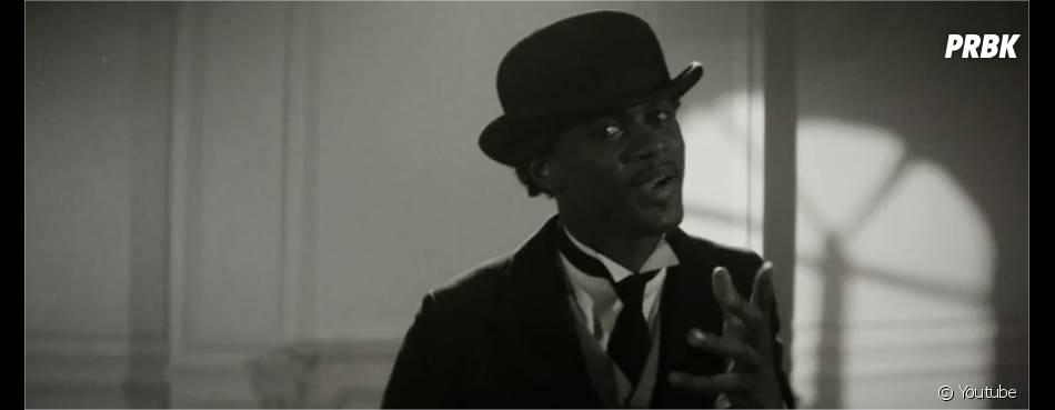 """Black M en Charlie Chaplin dans le clip Sur ma route, extrait de l'album """"Les Yeux plus gros que le monde"""""""