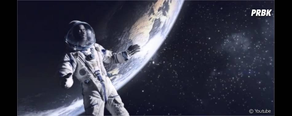 """Black M en George Clooney (Gravity) dans le clip Sur ma route, extrait de l'album """"Les Yeux plus gros que le monde"""""""