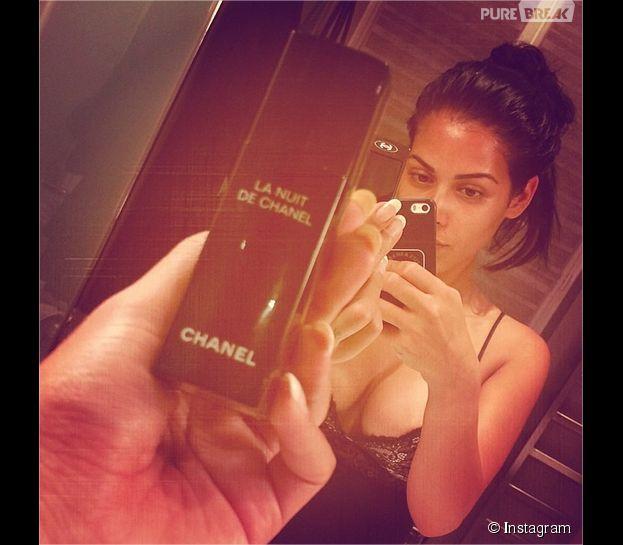 Ayem Nour no make up et sexy sur Instagram, en mai 2014