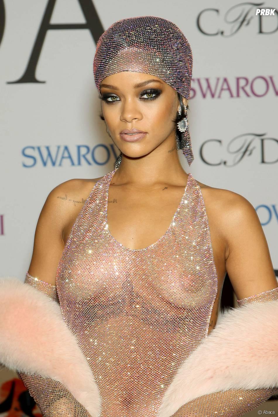 Rihanna a sorti le grand jeu lors des CFDA Awards, le 2 juin 2014