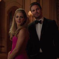 Arrow : un baiser entre Oliver et Felicity coupé au montage
