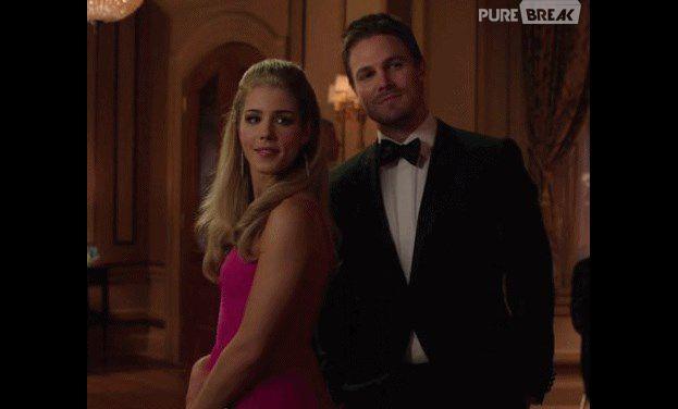 Arrow saison 3 : une scène de baiser coupée entre Oliver et Felicity