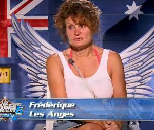 Les Anges de la télé-réalité 6 : Frédérique veut quitter l'aventure
