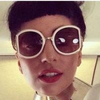 Lady Gaga exhibe un téton sur Instagram : bientôt censurée comme Rihanna ?