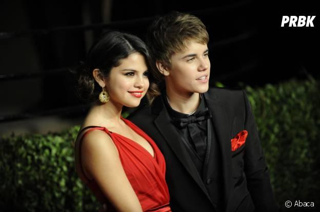 Selena Gomez et Justin Bieber dévoilent leur relation en février 2011