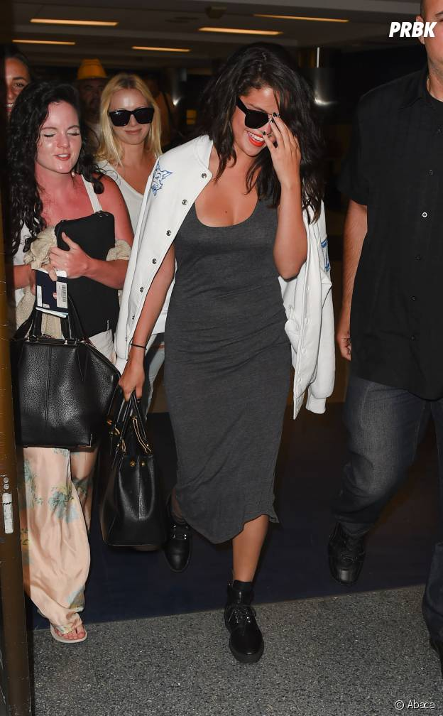 Selena Gomez sublime et souriante