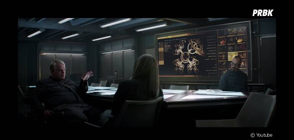 Hunger Games 3 : Philip Seymour Hoffman (Plutarch) défend Katniss (Jennifer Lawrence)