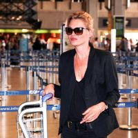 Kate Moss ivre dans un avion : les autres passagers se moquent sur Twitter