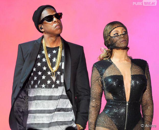 Beyoncé et Jay Z complices sur scène pendant  les concerts du On The Run Tour, juillet 2014
