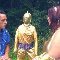 Arthur des Princes de l'Amour face à C3PO : le clip WTF et kitch