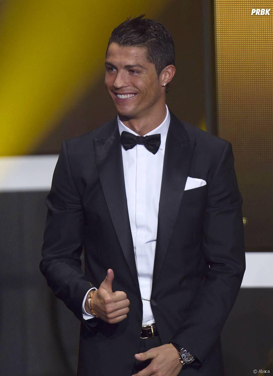 Cristiano Ronaldo très souriant pendant la cérémonie du Ballon d'or 2013