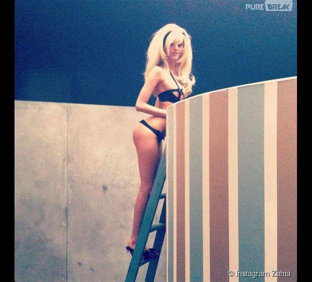 Zahia reine des photos sexy sur Instagram