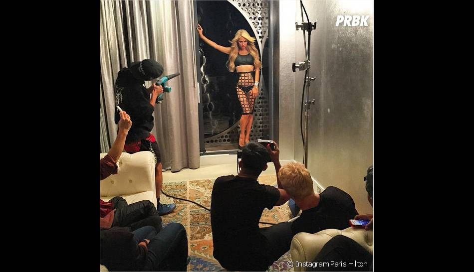 Paris Hilton : photoshoot hot pour la bombe