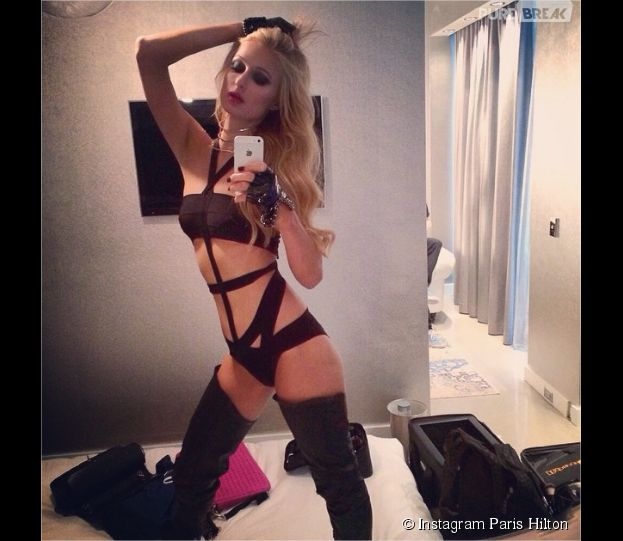 Paris Hilton : dominatrice sexy sur Instagram