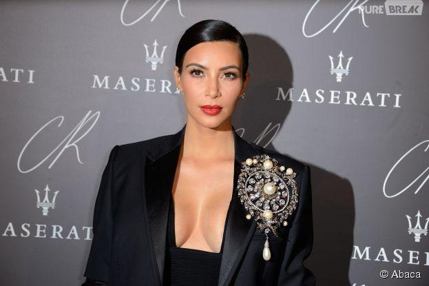 Kim Kardashian décolletée pour la soirée CR Fashhion Book, le 30 septembre 2014