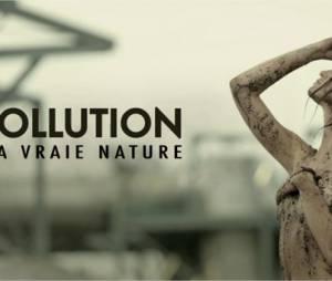 Raphaëlle Dupire nue dans une fausse publicité dans Le Grand Journal le 1er octobre 2014