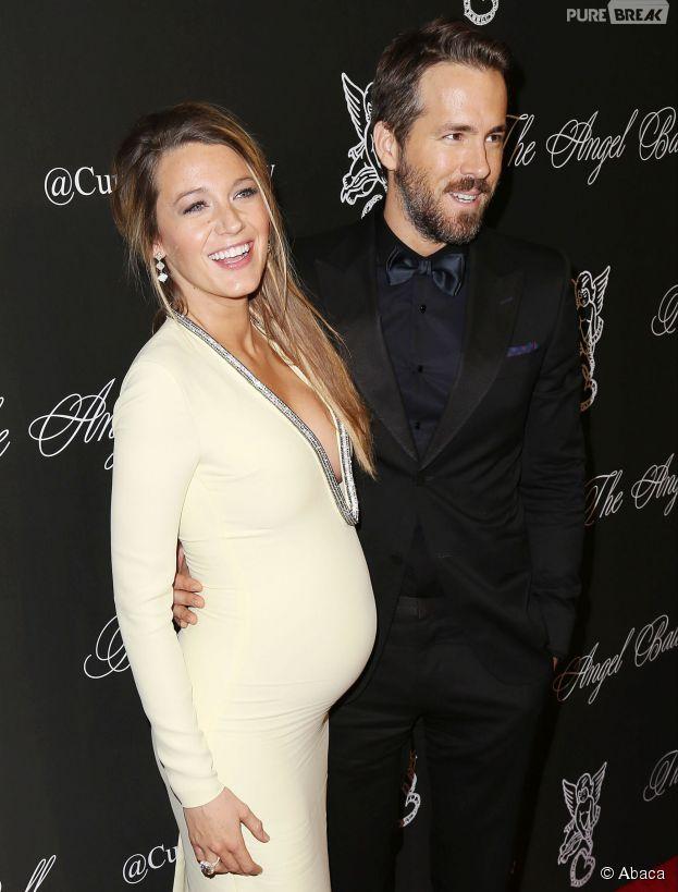 Blake Lively et Ryan Reynolds souriants au Angel Ball le 20 octobre 2014 à New York