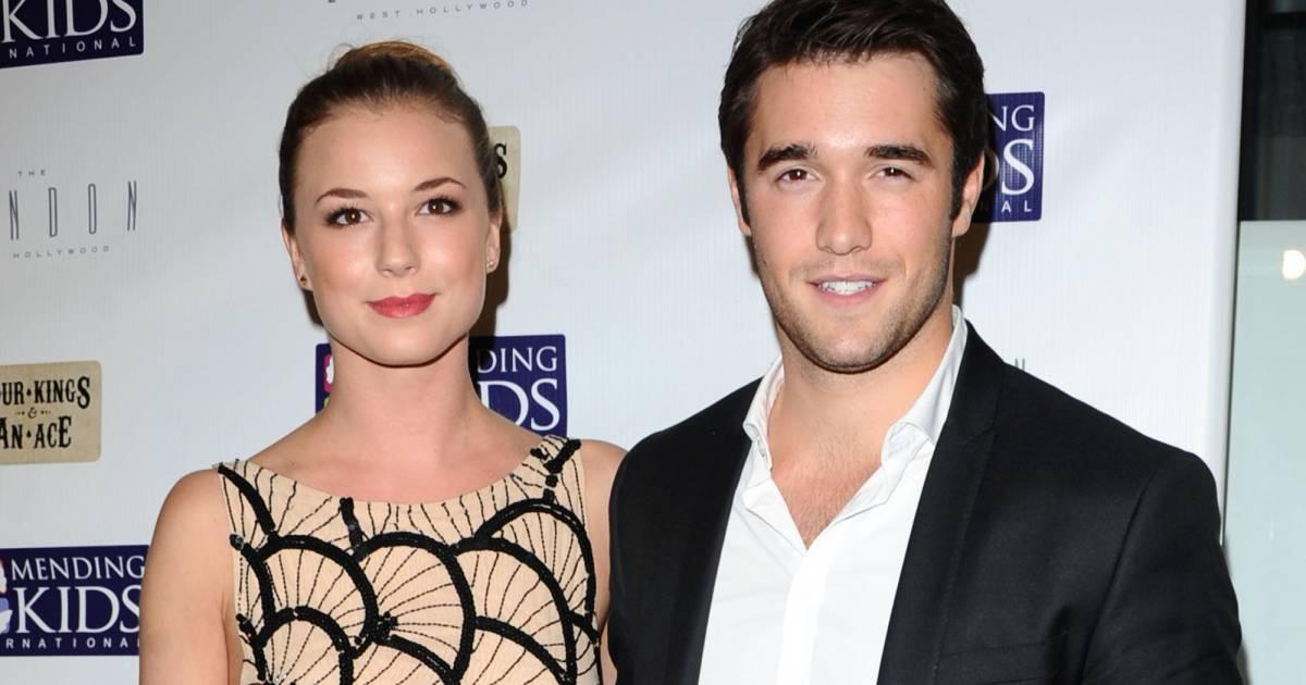 Emily VanCamp et Joshua Bowman de Revenge sont en couple...