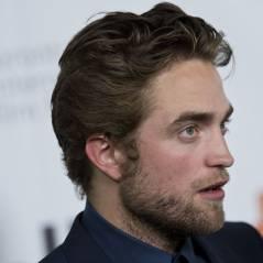 """Robert Pattinson : horreur, il invente la coupe de cheveux """"ticket de métro"""""""