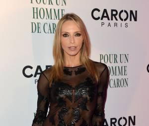 Tonya Kinzinger : une robe transparente pour la soirée Caron, le 9 octobre 2014 à Paris