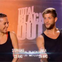 Kim, Jessica, Stéphanie et Paga (Les Marseillais) face à des tapettes à souris dans Total Black Out